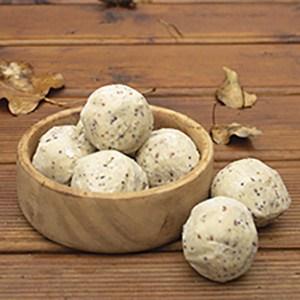 Premium Quality Suet Foods for Garden Birds